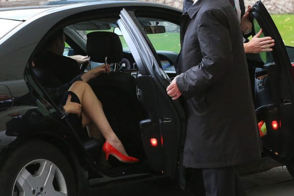 Krisztian Bocsi (Bloomberg): Die britische Premierministerin, Theresa May steigt im Bundeskanzleramt zum Gespräch mit Bundeskanzlerin Merkel aus dem Wagen, 18.11.2016, Berlin